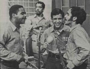 Hector Lavoe(maracas) y Willie Colon